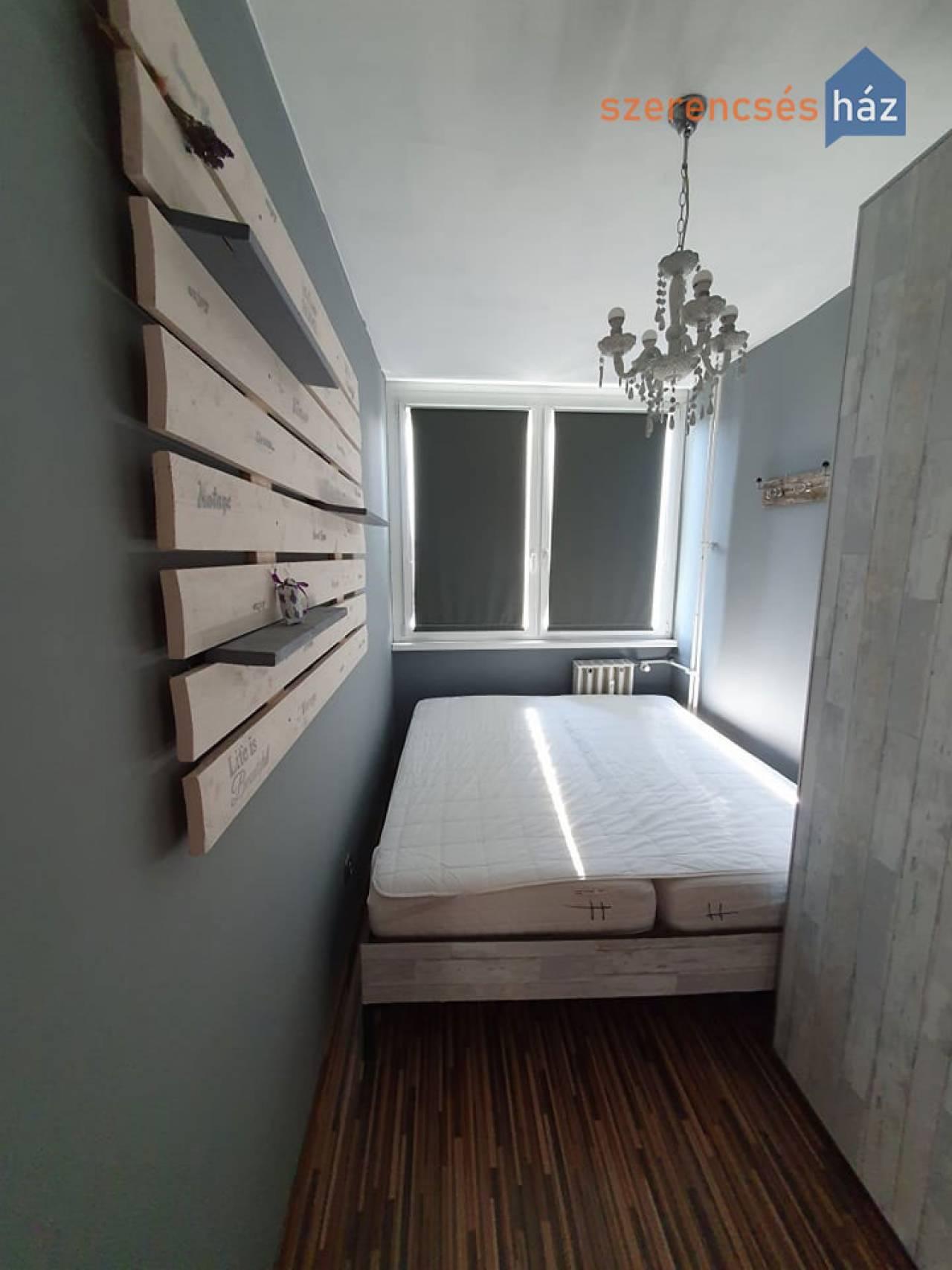 Kiadó igényes, erkélyes lakás Sopronban