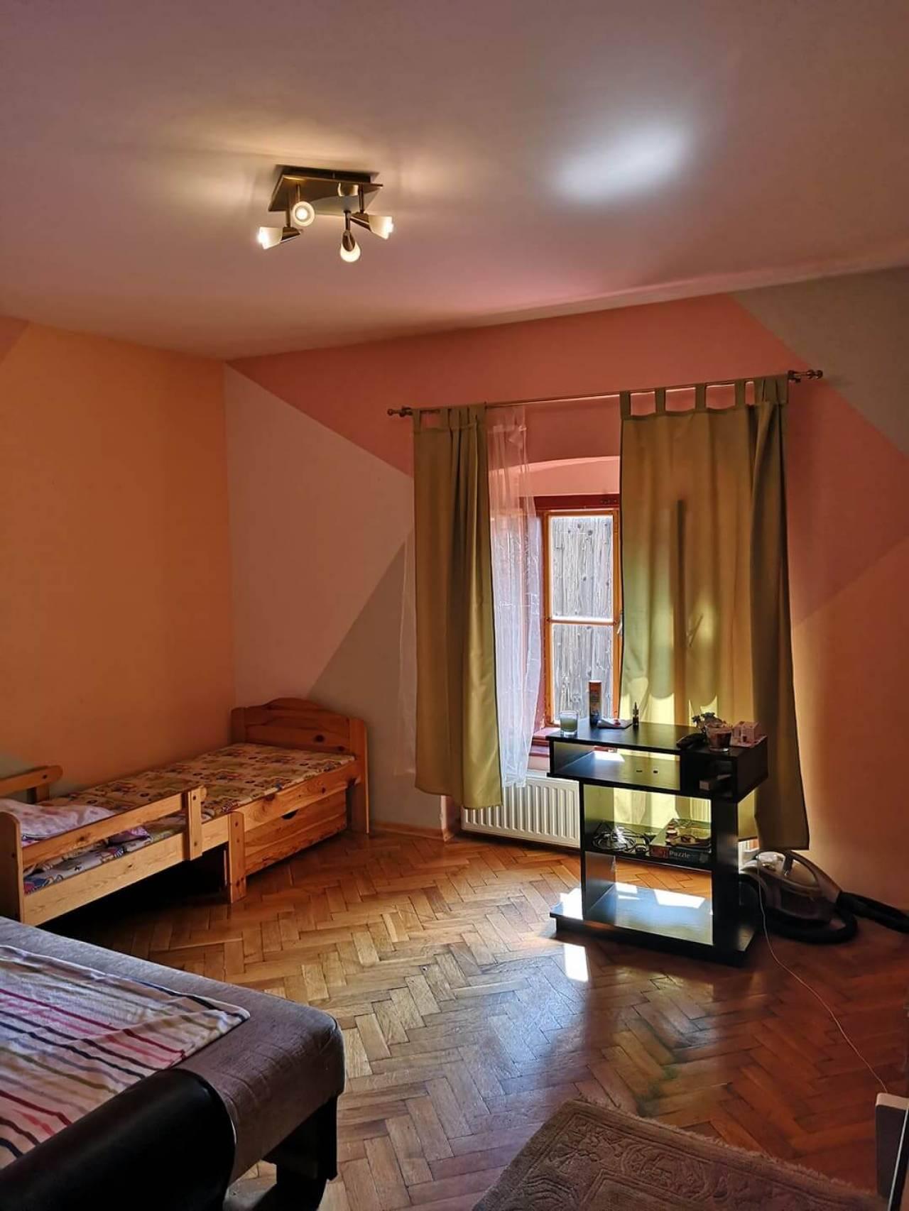 Belvárosi felújított kis lakás