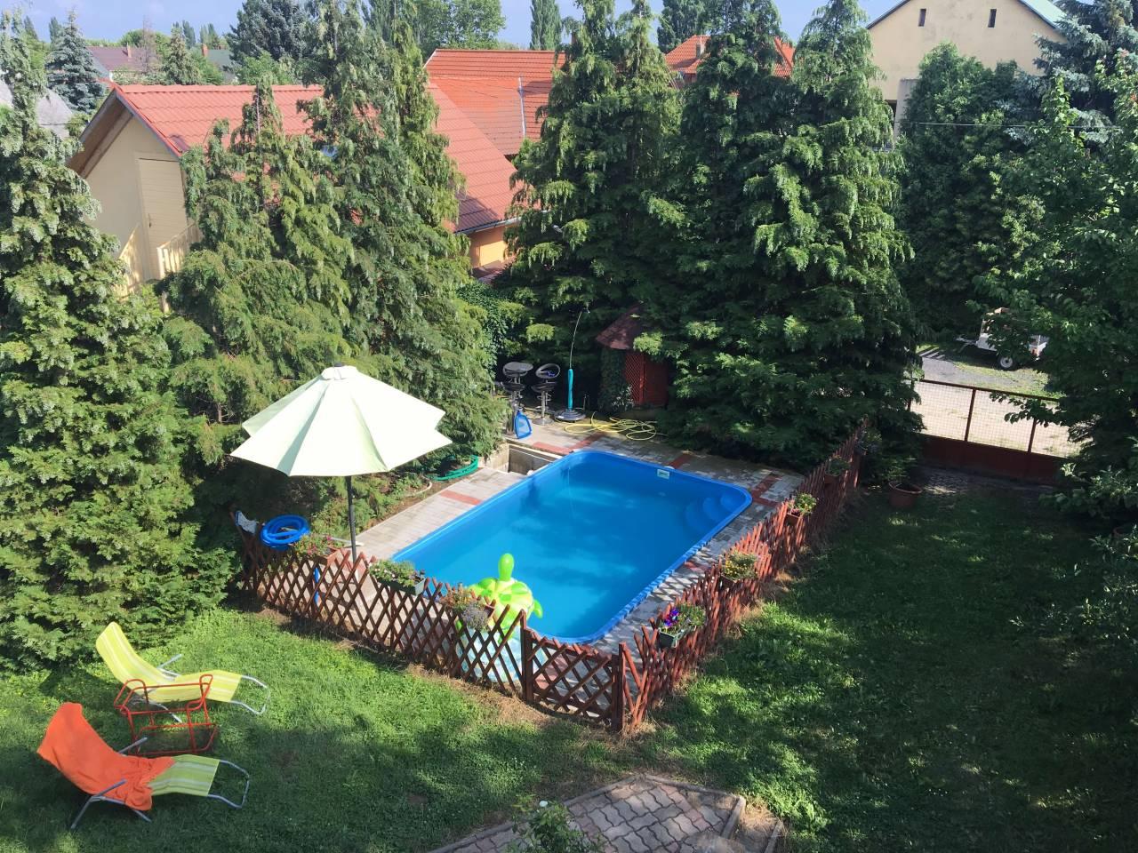 Gyenesdiási családi ház medencével